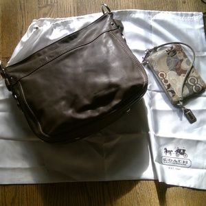 Coach Carly brown bag /w Matching lg wristlet
